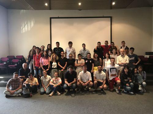 Animatori e docenti riuniti per la conclusione del progetto 'Kidseconomics'