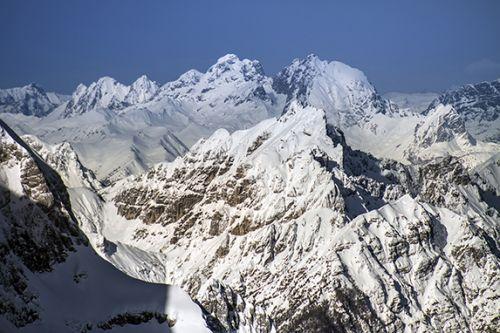 le Alpi Giulie dopo le nevicate estreme dell'inverno 2020-21 con spessori di neve tra 3 e 5 metri