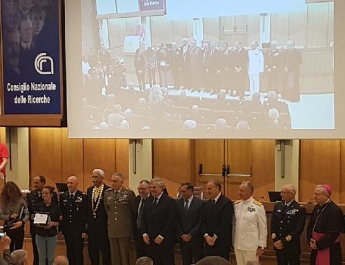 Foto di gruppo autorità civili e militari