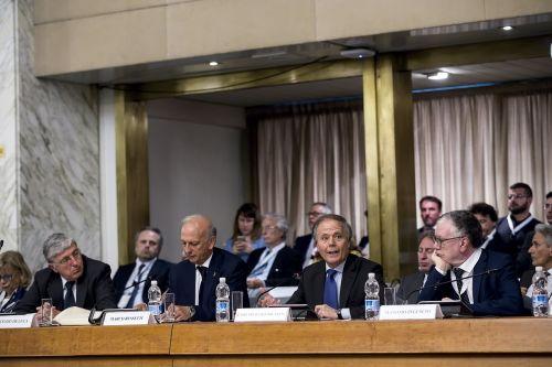 I ministri Marco Bussetti (Miur), Enzo Moavero Milanesi (Maeci) con il presidente Massimo Inguscio