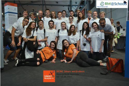 La squadra di studenti, insegnanti e ricercatori bolognesi che ha partecipato a IdeenExpo 2017