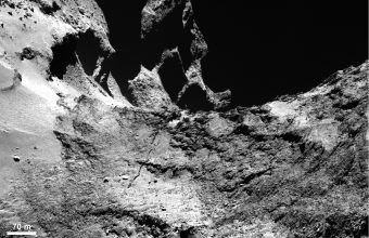 Fractures on the comet's neck (Credits: ESA/Rosetta/MPS for OSIRIS Team MPS/UPD/LAM/IAA/SSO/INTA/UPM/DASP/IDA)