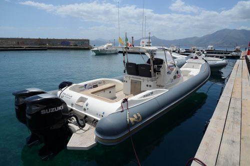 Il Nautilus Explorer alla Marina Arenella, il porto di Palermo
