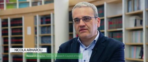 Nicola Armaroli (Cnr-Isof) parla di economia circolare nell'intervista di SUNRISE presso la biblioteca dell'Area della ricerca di Bologna del Cnr