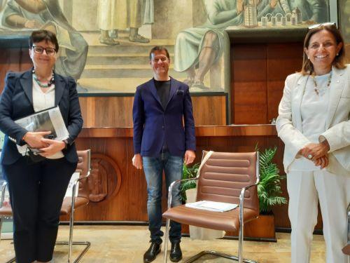 Da sinistra, Maria Chiara Carrozza (presidente Cnr), Massimo Sideri (editorialista Corriere della Sera), Antonella Polimeni (rettrice Università Sapienza di Roma)
