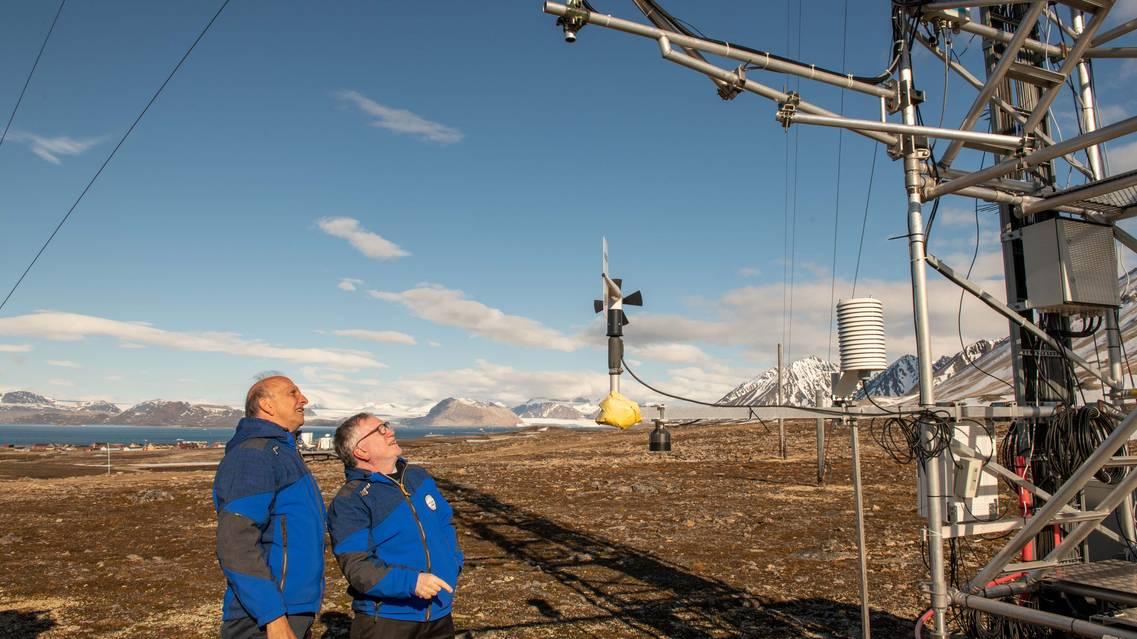 Il ministro Marco Bussetti e il presidente del Cnr Massimo Inguscio alla Climate Change Tower